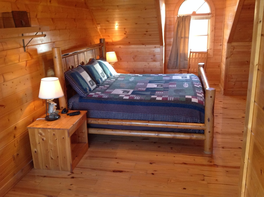 Amazing Luxury Log Cabin Great Living Space Mountain Views 2