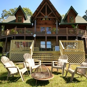 2BR Stunning Views/deck/full Kitchen/firepit Basement Aprtmnt Of Log Home/2 Acr