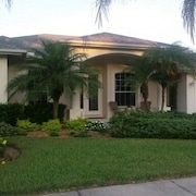 Beautiful Sarasota Pool Home Near Beaches