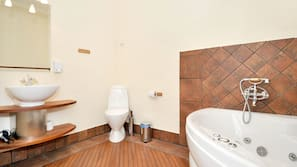 Separat badekar og bruser, boblebadekar, gratis toiletartikler