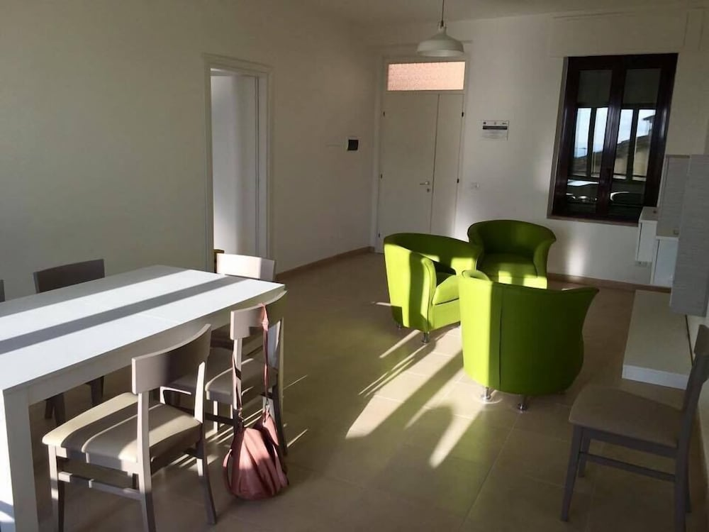 In-Room Dining, La Runa House - Hostel