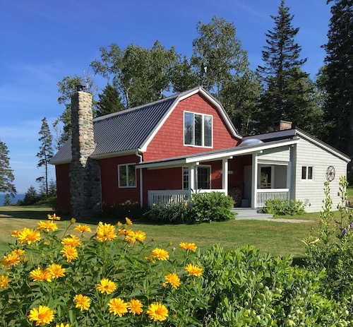 Charming Renovated Barn On The Coast Of Down East Maine