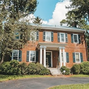 Beautiful Historic Home With Modern Amenities