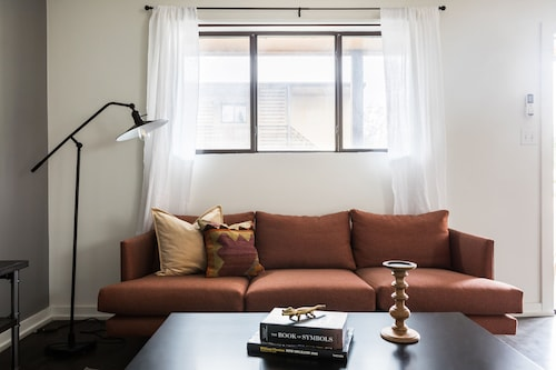 Check Expedia for Availability of Posh 1BR in Mid City by Sonder