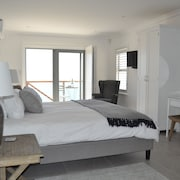 Oceans Drift Guest House - Adults Only