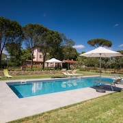 Villa With Pool, 7 Bedrooms, in the Tuscan Countryside Between Cortona and Arezzo