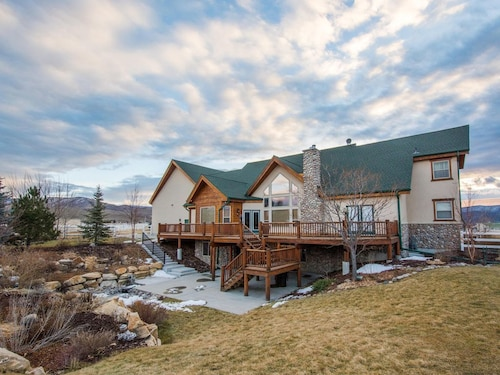 Great Place to stay Peaceful, 4 Bedroom Private Apartment Within a Ranch House in Heber Valley near Heber City