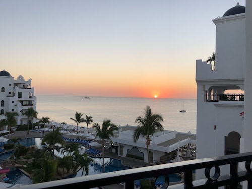 Pueblo Bonito Blanco, San Cabo, 1 Week, 3/05 Thru 3/12 2018 For Rent