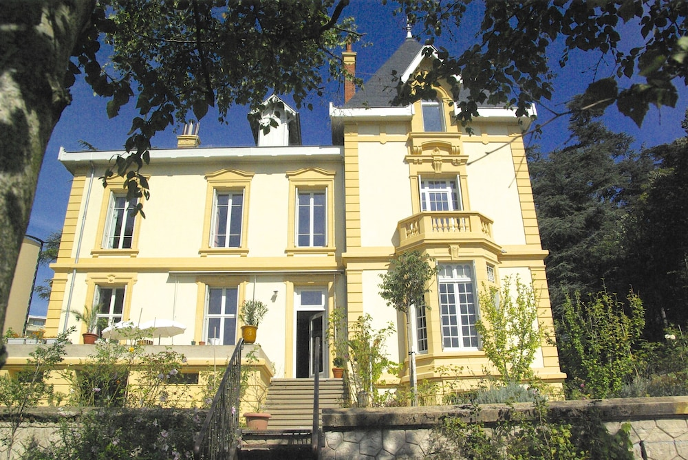 Villa Roassieux in Saint-Etienne | Hotel Rates & Reviews on
