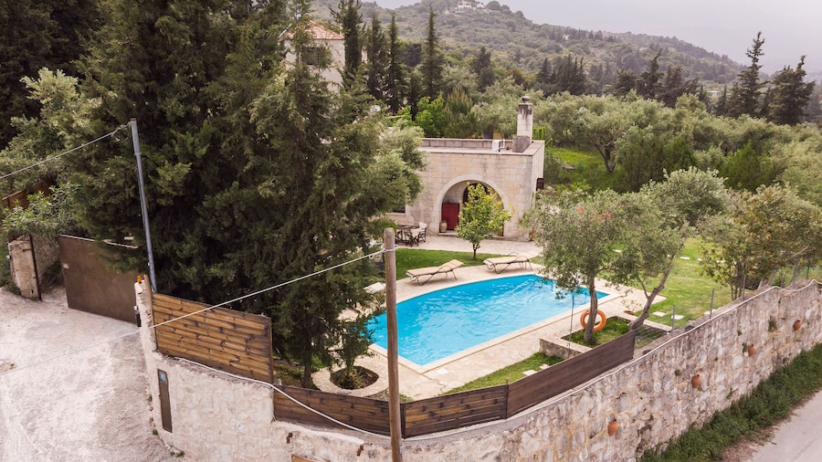 Villa Aloni-traditional Stone Villa With Nice View,pool and Garden