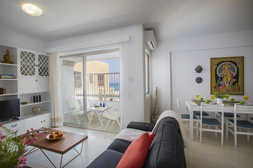 Lamk1 Mackenzie Atalanta Suite - Two Bedroom Apartment, Sleeps 4