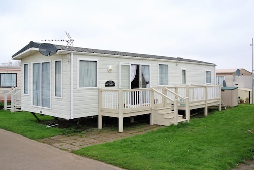 Excellent Holiday Park Home in Kent