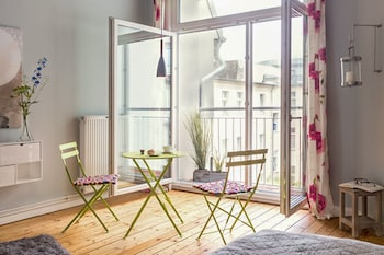 All Inclusive 90qm Well-equiped Flat in Berlin-charlottenburg With Wifi and Imac