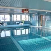 Attractive Luxury Apartment Near Munich With Private Indoor Pool and Conservatory!