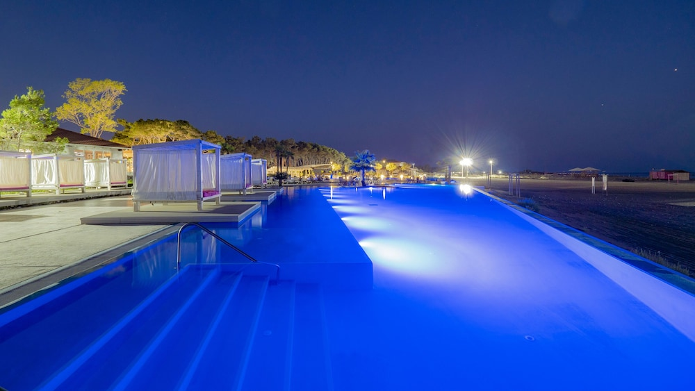 Infinity Pool, Azul Beach Resort Montenegro by Karisma  - All Inclusive