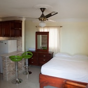 Comfort Studio Full Kitchen City and Sea Views, Free High Speed Wi-fi