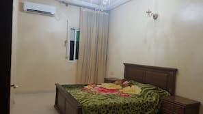 3 間臥室、窗簾、床單