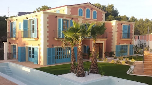 Sitges Hills House for Families and Groups