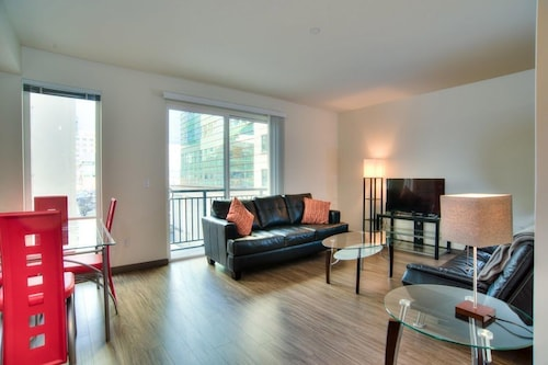 Great Place to stay In the Center of Seattle With Internet, Air Conditioning near Seattle
