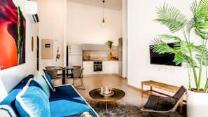 2 chambres, bureau, fer et planche à repasser, lits bébé (gratuits)