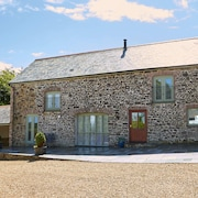 Gorgeous, Spacious Barn Conversion in Rural Devon 3 Bedroom Large Private Garden