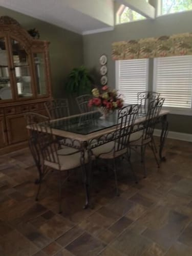 Private Kitchen, Fun in the Sun! Lakefront Home on Lake Sinclair. Right off 441