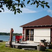 Amazing Boathouse Cottage,tapley Farms Penobscot Bay Waterfront, Acadia 1 hr
