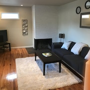 Clean and Serene. Near High Tech/ Nike. Easy Access to Downtown PDX