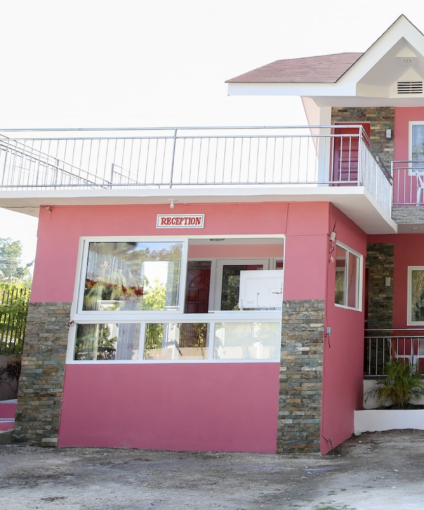 Luzmin Bh Pink House 2 5 Out Of 0