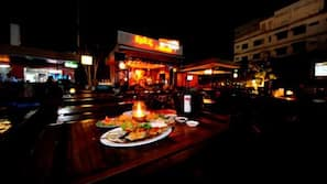 Breakfast, lunch and dinner served, local and international cuisine