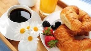 Petit-déjeuner buffet (9.80 EUR par personne)