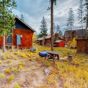 Endearing Cabin Vacation Home 1 Bedroom