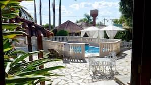 Piscina interna, 7 piscinas externas