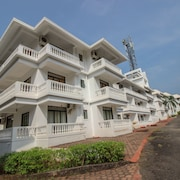 OYO Home 10161 Modern 2BHK South Goa