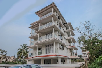 OYO Home 10296 Sunset View 3BHK Dona Paula