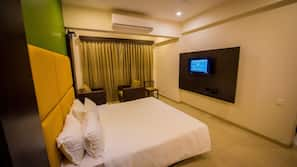 In-room safe, free rollaway beds, free WiFi