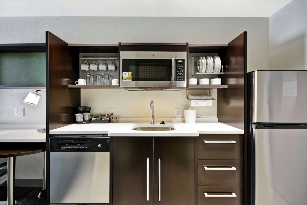Private Kitchen, Home2 Suites by Hilton Carbondale