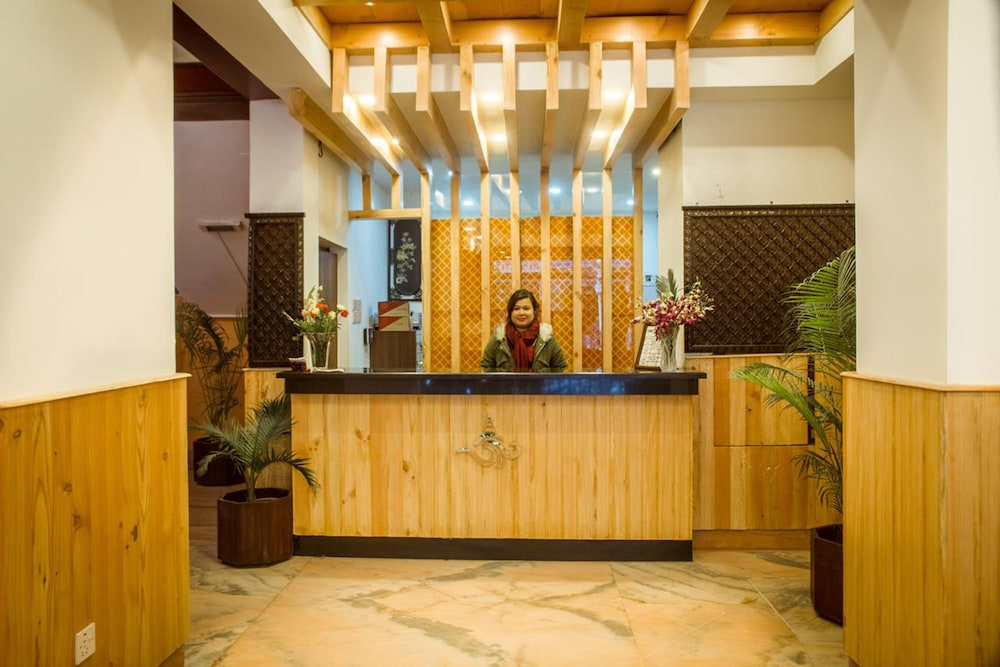 Little Nepal Inn 2018 Pictures Reviews Prices Deals Expedia Ca