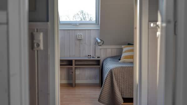 2 sovrum, mörkläggningsgardiner, strykjärn/strykbräda och gratis wi-fi