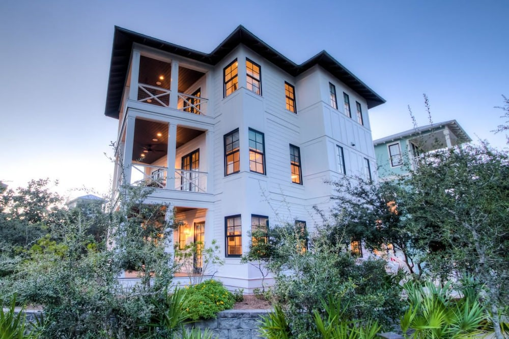 The White House - 1232985 4 Bedrooms 3.5 Bathrooms Home in Fort ...