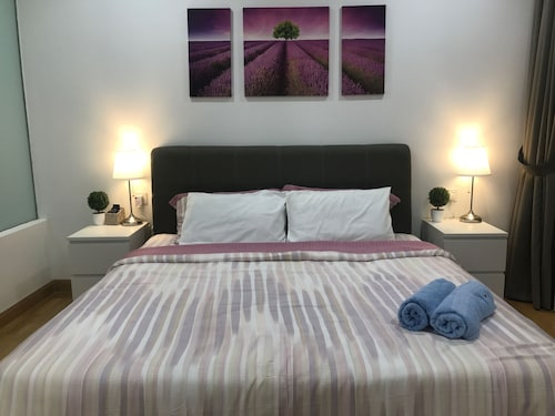 KL Gateway Luxury Apartment