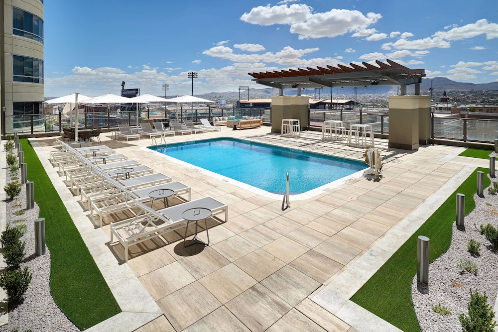 Pool, Courtyard by Marriott El Paso Downtown/Convention Center