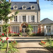 Le Haut Fossé - Magnificent 19th Century Normandy Villa With Garden and Direct Access to the Beach
