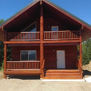 New on Historic Targhee Creek! Overlooks Henry's Lake Close to Yellowstone pk
