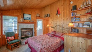 4 bedrooms, iron/ironing board, free WiFi, bed sheets