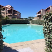 Central Studio Apartment Overlooking Capbreton Marina, w/ Pool & Scenic Terrace Minutes From Beach