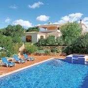 Luxurious 500sqm Villa With 5 Rooms Near Albufeira, With Panoramic View, Private Pool and Sauna - Sleeps 8