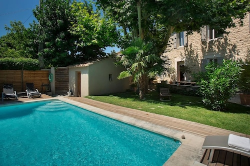 Beautiful 4-bedrooms Villa in Cavaillon, With Private Pool, Enclosed Garden and Wifi