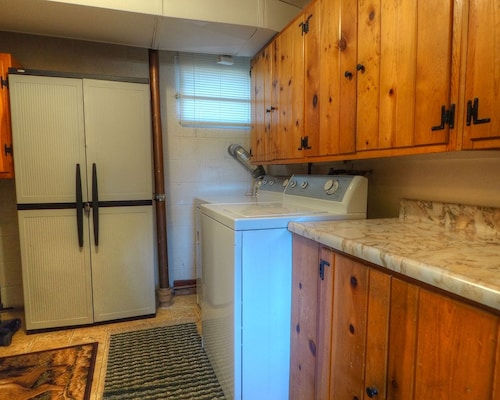 Great Place to stay Staghorn Chalet - 3 Br Home near Estes Park