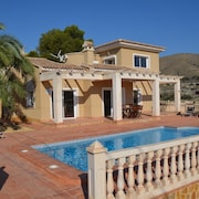 House With 4 Rooms in El Campello, With Wonderful sea View, Private Pool, Enclosed Garden